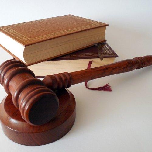 65-LATEK USŁYSZAŁ ZARZUT USZKODZENIA CIAŁA