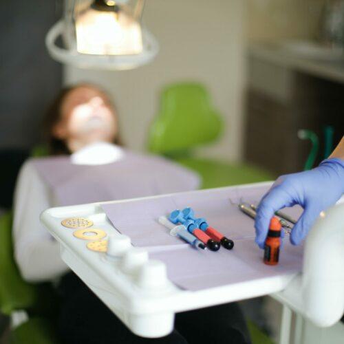 Jakie są rodzaje znieczulenia u stomatologów?
